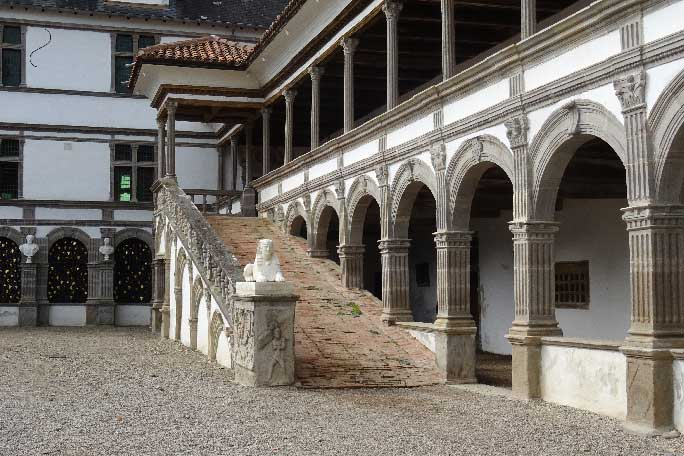 Château-de-La-bastie-d'Urfé